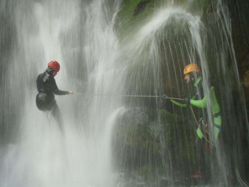 canyoning jongeren balkan
