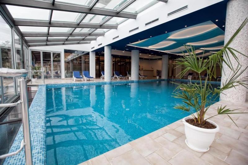 Binnen zwembad!