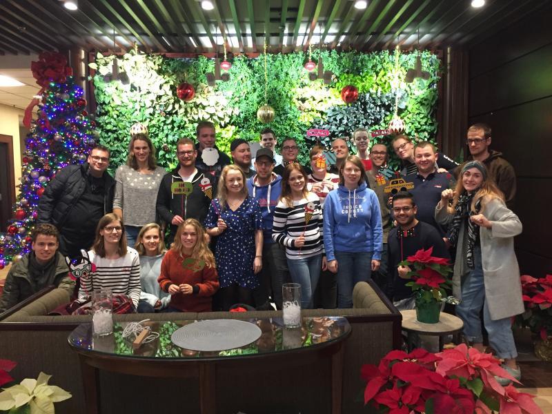 Groepsfoto in kerstsfeer!