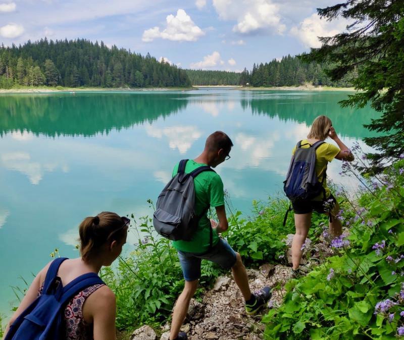 Hiken rondom Black Lake