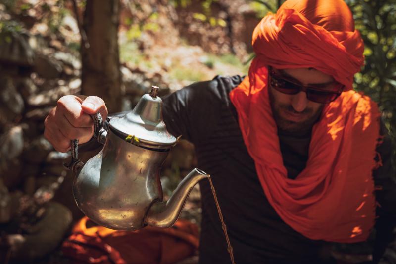 Marokkaanse thee drinken