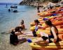Relaxen bij het zeekajakken en snorkelen