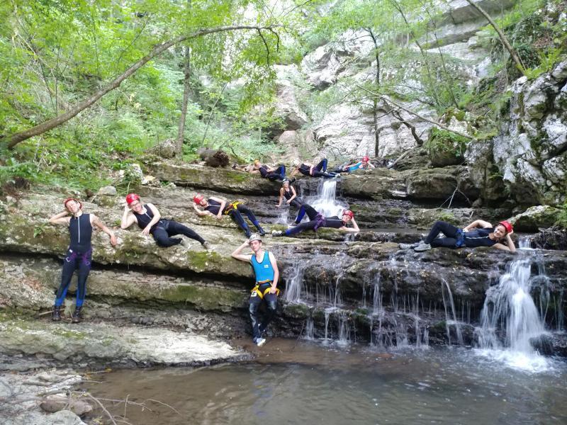 Relaxen bij watervallen