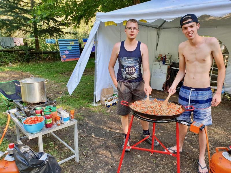Samen koken op de camping